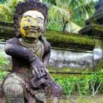 Tirta Empul statues