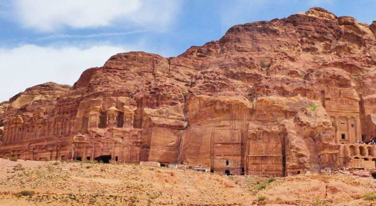 The-Corinthian-Tomb-and-the-Silk-Tomb-at-Petra-Optimised