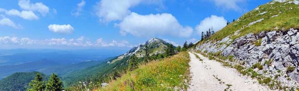 Panoramic-of-the-Croatia-side-of-the-valley-on-the-Plejesvica-hike-Optimised