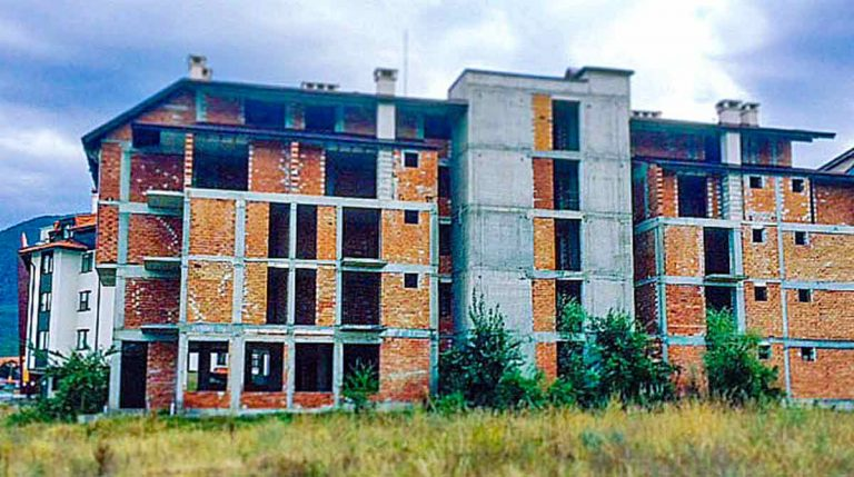 abandoned-places-in-bulgaria-bansko-ghost-buildings-5-optimised