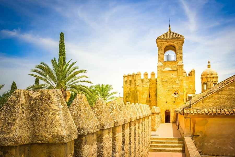 Your complete Seville to Cordoba day trip guide. A fully detailed one day in Cordoba itinerary tells you everything you need to know about visiting this ancient city. Checklist and Map included.