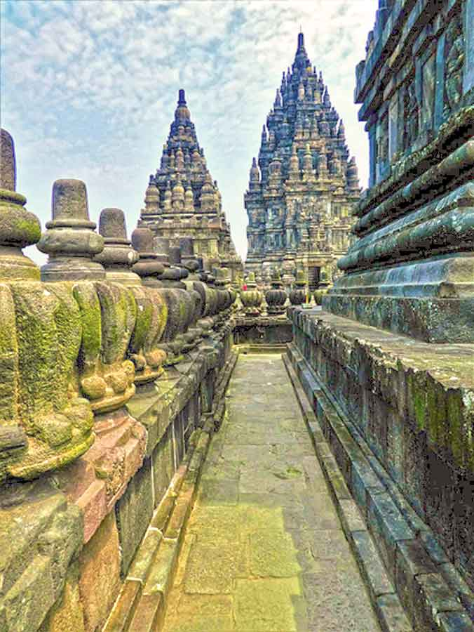 Indonesia photo tour: Stunning pictures of Indonesia, beautiful photos of Indonesia to give you wanderlust. Pictures of Indonesia to inspire. Beautiful destinations in South East Asia #SouthEastAsia #BeautifulDestinations #Indonesia #IndonesiaInPictures