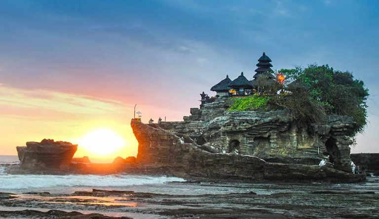 Bali Bucket list Tanah Lot harry-kessell-unsplash-optimisedat Sunset
