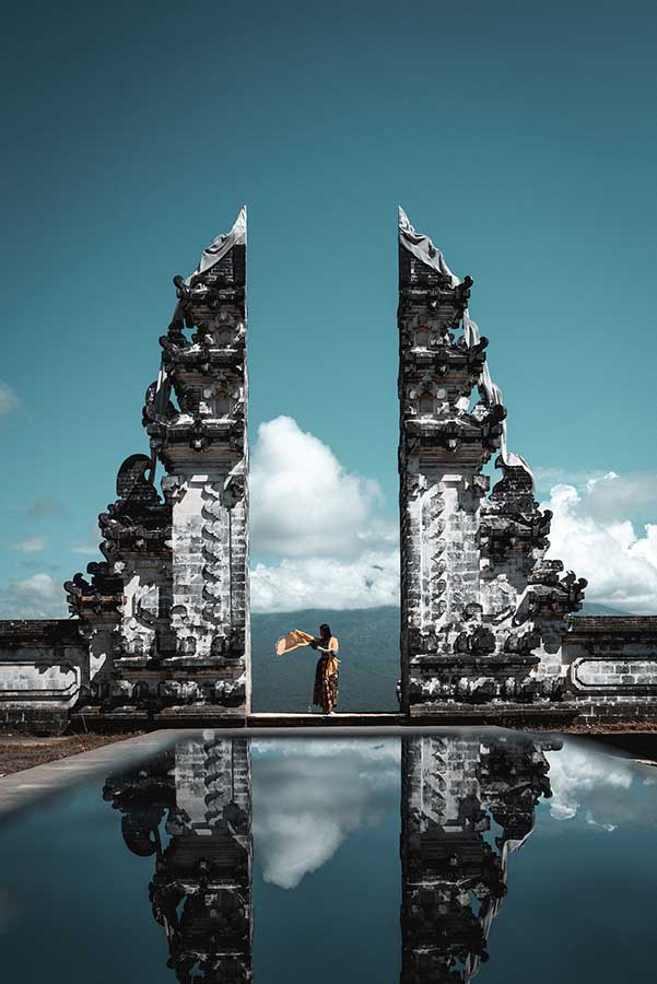 10 days in Bali itinerary covering the best temples, beaches and iconic landmarks. The complete guide on how to spend 10 days in Bali. What to see in Bali, where to stay in Bali and the most Instagrammable spots in Bali. This 10 day Bali itinerary will make sure you see all the best things in Bali. #Bali #Indonesia #SEAsia #VisitBali