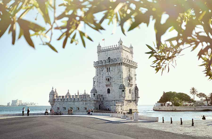 Your complete 2 days Lisbon guide includes all the highlights of the Portuguese capital. This guide will give you the perfect 2 days in Lisbon on a short city break. The best things to see in Lisbon and the best things to do in Lisbon. #Portugal #Lisbon #CityBreak
