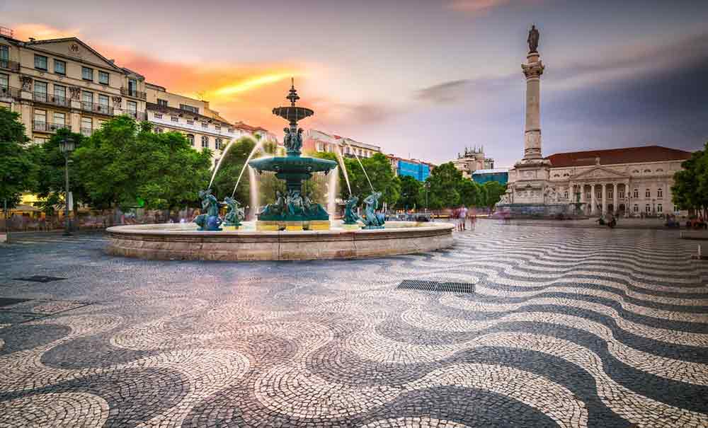 Visiting Portugal or Spain? Spain and Portugal Itinerary 2 weeks   Spain and Portugal Travel Itinerary   Two weeks in Spain and Portugal   Portugal and Spain Road Trip   Portugal and Spin Backpacking   Small group tours to Spain and Portugal   Spain Itinerary   Portugal Itinerary   Things to see in Spain   Things to see in Portugal   Portugal Guide   Spain Guide #Portugal #Spain