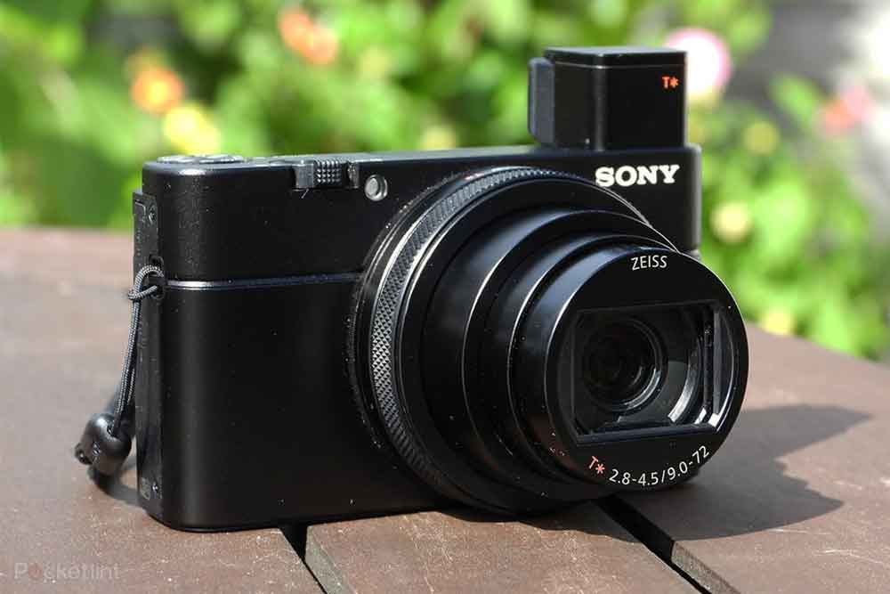 14 Of The Best Cameras for Bloggers - The Top Blogging Camera for Every Niche! 10