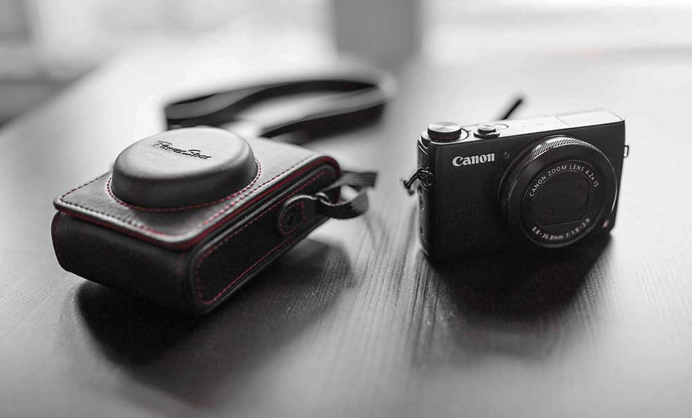 14 Of The Best Cameras for Bloggers - The Top Blogging Camera for Every Niche! 3