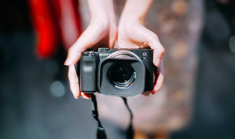 14 Of The Best Cameras for Bloggers - The Top Blogging Camera for Every Niche! 2